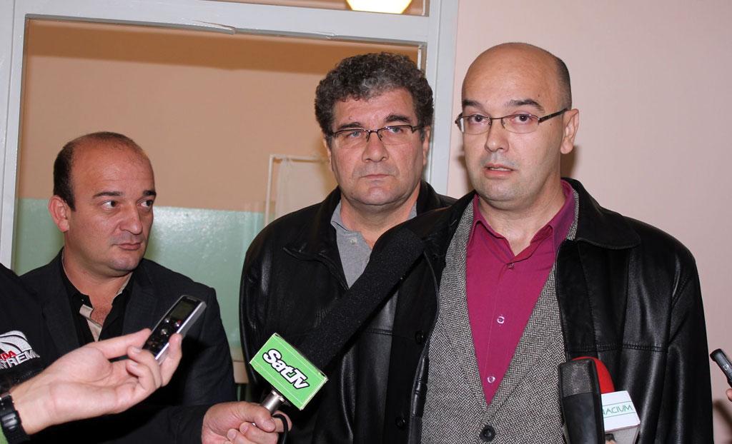 Бане Спасовић, др Милош Самарџић и члан Градског већа задужен за развој месних заједница Вејан Цвејић