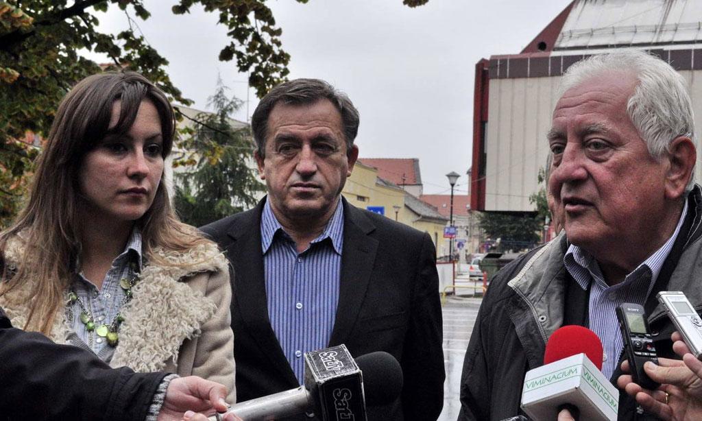 """Direktorka """"Parking servisa"""" Verica Savić, Miomir Ilić i Slavko Živković"""