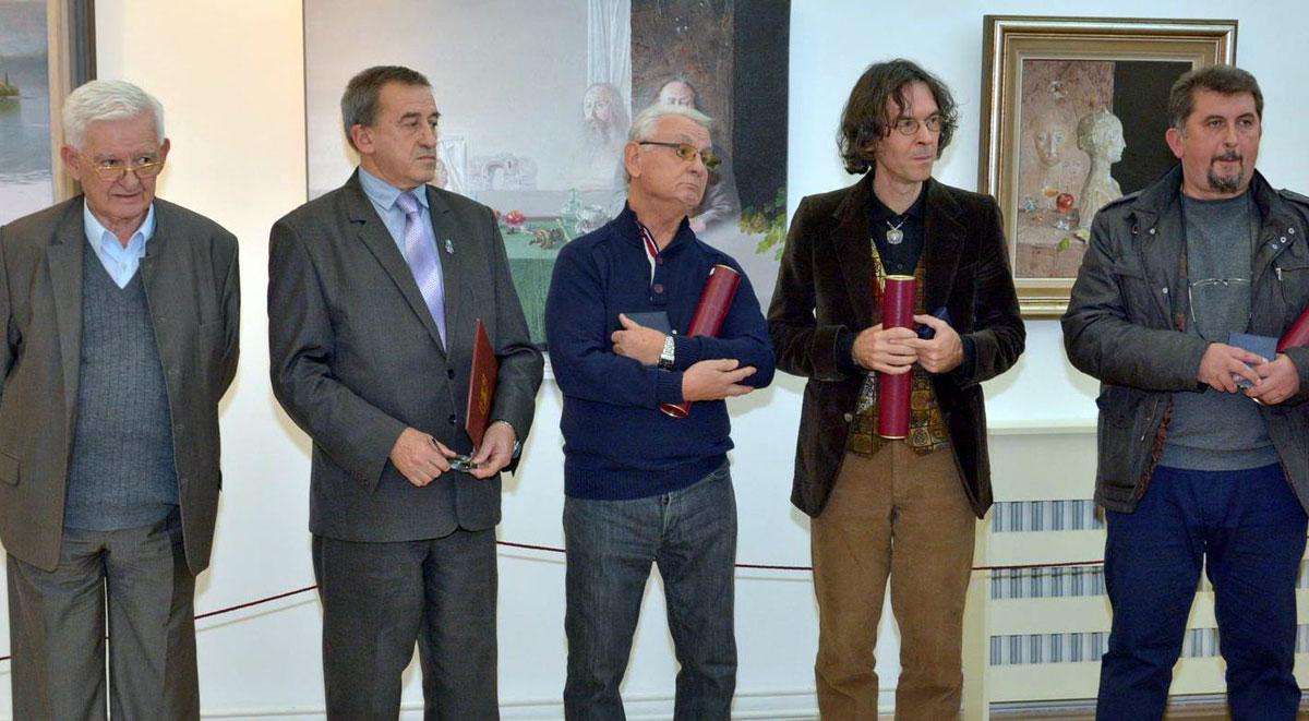 Miroslav Arsić u sredini