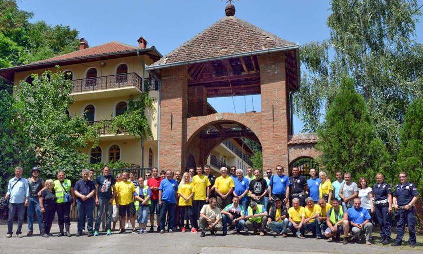 Učesnici relija u manastiru Nimnik