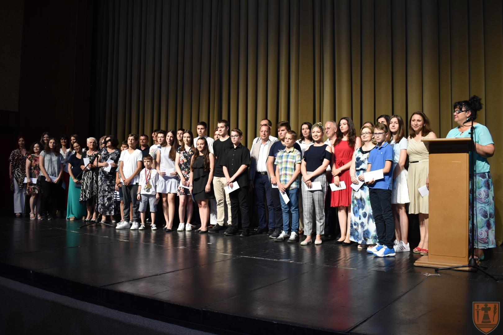 Grad Požarevac nagradio najbolje učenike 20099